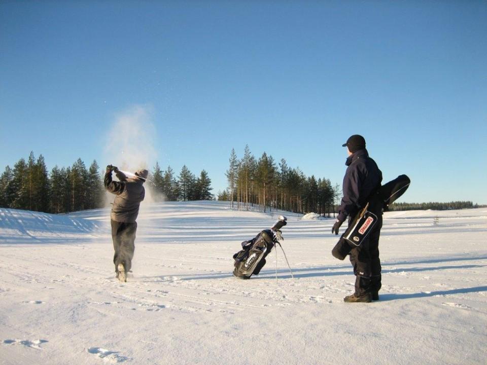 Jämillä pelaat golfia myös talvella