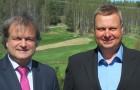 Timo Karvinen ja Viron Golfliiton puheenjohtaja Marko Kaljuveer