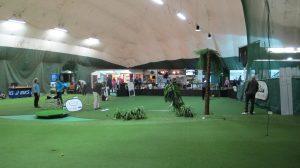 Season Golfissa on lyöntipaikkojen lisäksi tilava lähipelialue.