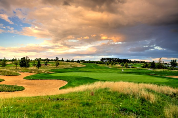 Monipuolinen Tsekki tarjoaa hienoja vaihtoehtoja golflomalle