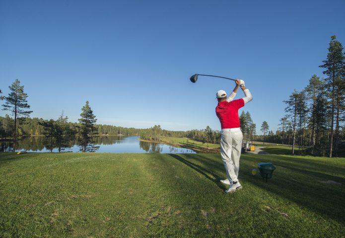 Kokonaisvaltainen  golfloma Holiday Clubilta